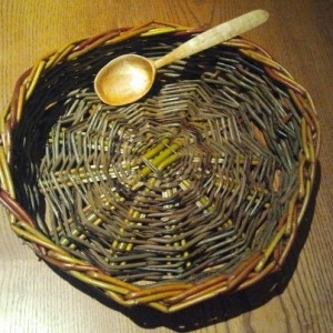 willow bowl carved spoon
